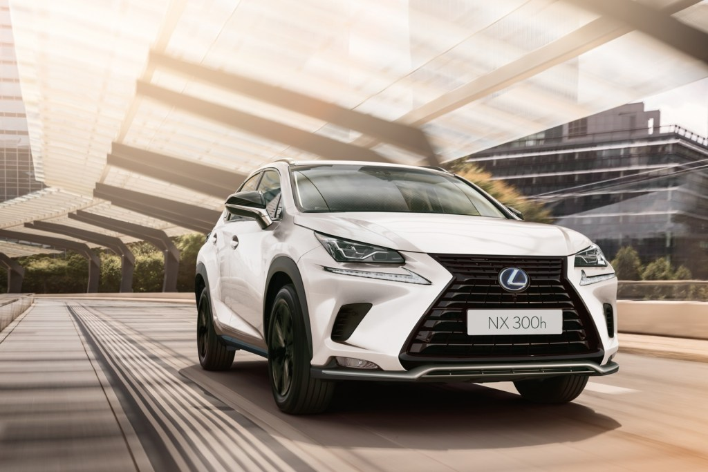 The Lexus NX 300h Business is on sale, do you want to try it?