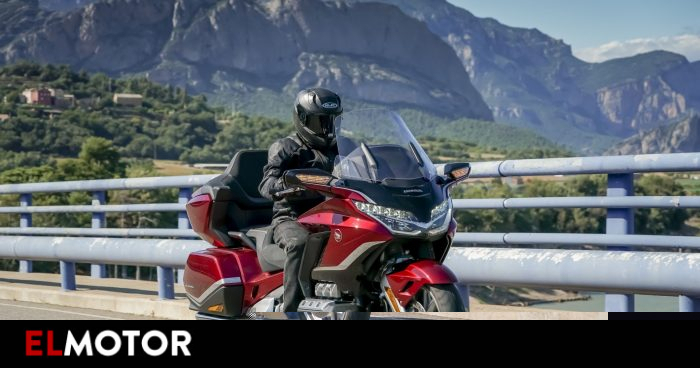 Honda Gold Wing 2021: first class for long trips   Motorcycles