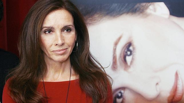 COMO FIERA ENJAULADA:  ¿quién es Ana Belén Montes Lopez? ¡LIBERTAD PARA ANA BELÉN MONTES!