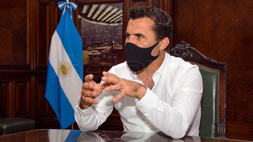 Darío Martínez visitó el Congreso para explicar los alcances de la iniciativa.