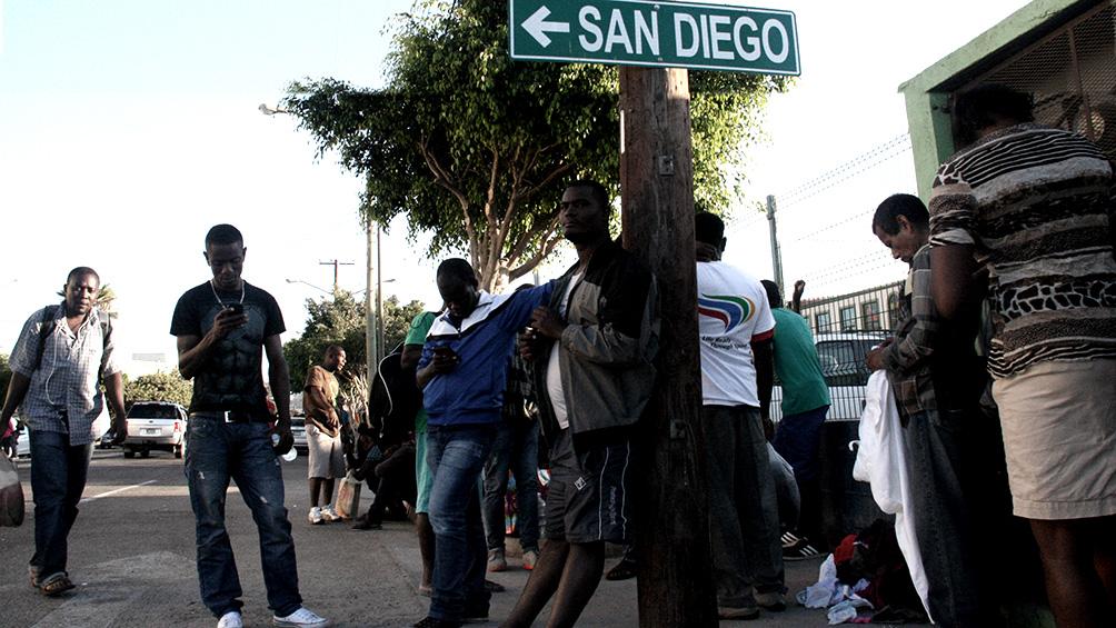 haitianos deportados intentaron asaltar un avion para volver a eeuu
