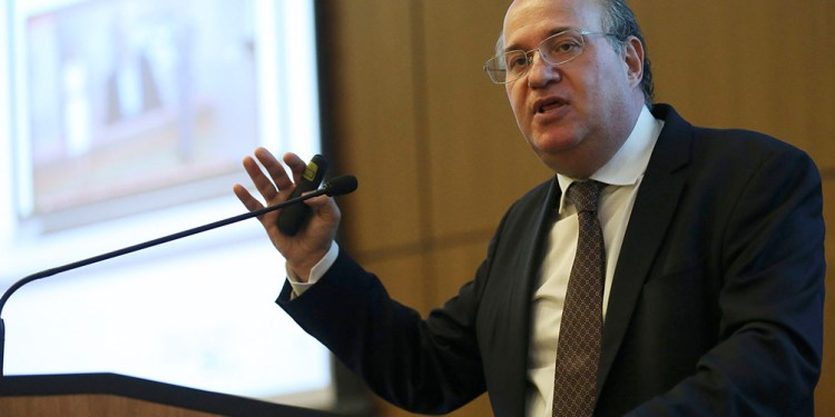 un extitular del banco central de brasil sera director del departamento occidental del fmi