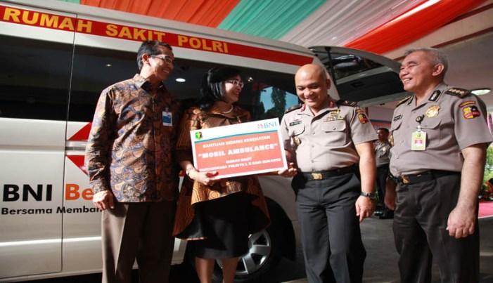 Bank BNI Berikan Mobil Ambulance