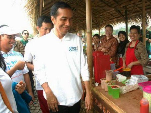 Jokowi Harap Bunga KUR 9% Dorong Ekonomi Kerakyatan