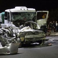 Kinesiólogo murió tras robar un auto y chocar con un camión en el puente General Belgrano