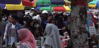 Pasar Kaget Ramadan di Jl. Ayani Blitar