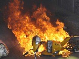 ilustrasi motor terbakar. foto merdeka com