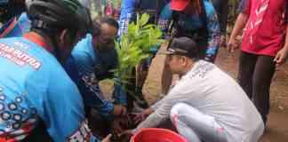 Bupati Blitar Hadiri Kegiatan Menanam di Konservasi Bader Bang Tawangrejo