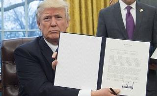 Donald Trump prohíbe dar fondos públicos a ONGs para fomentar el aborto fuera de EE.UU
