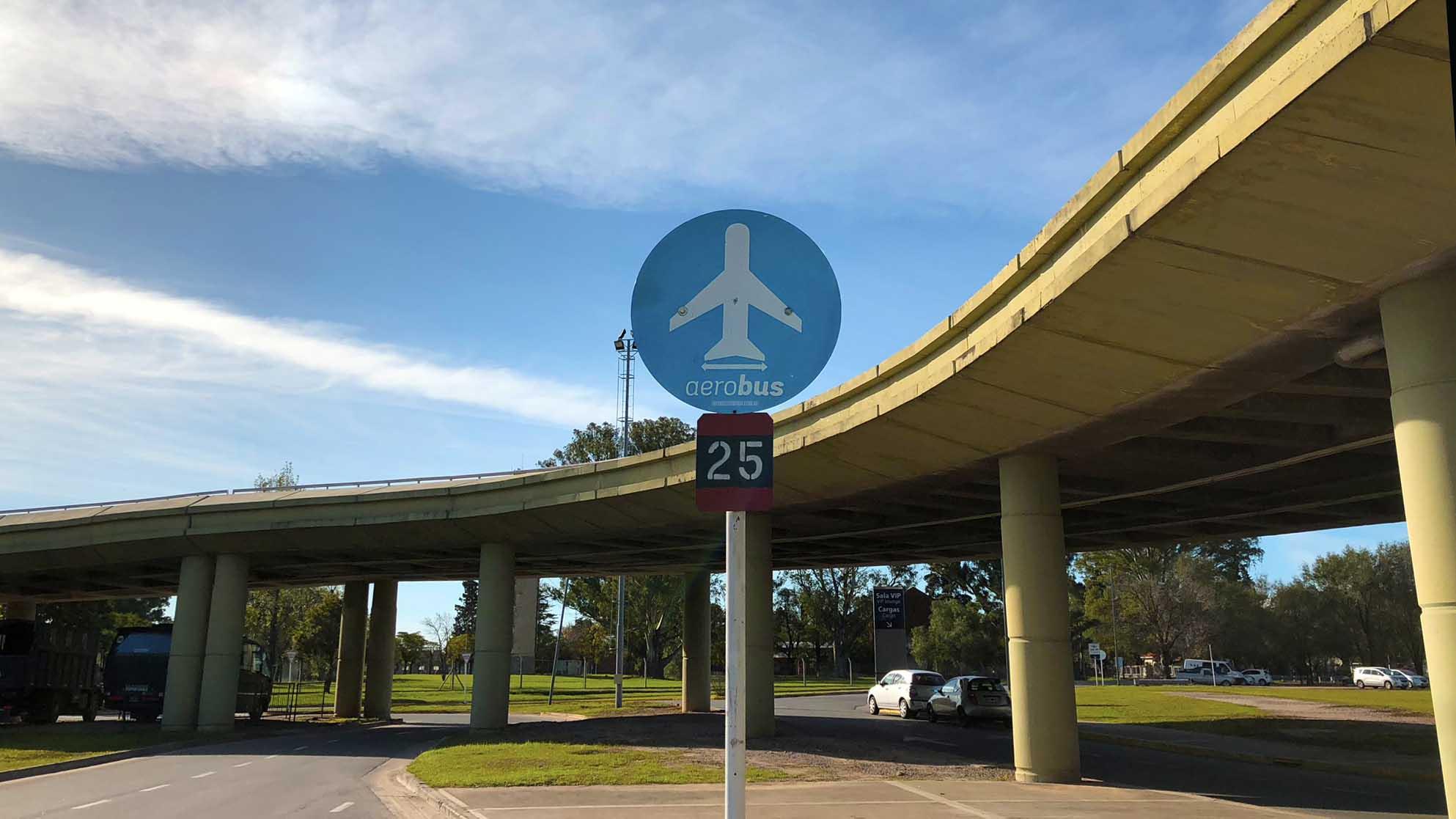 Parada de Aerobus en el Aeropuerto de Córdoba