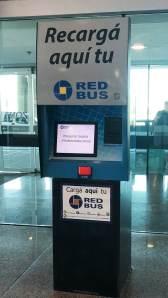 cargar red bus en el aeropuerto