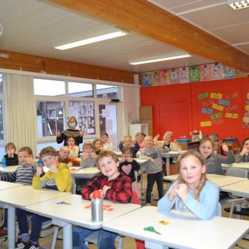 Feest in het eerste leerjaar van de school op de Belgiek
