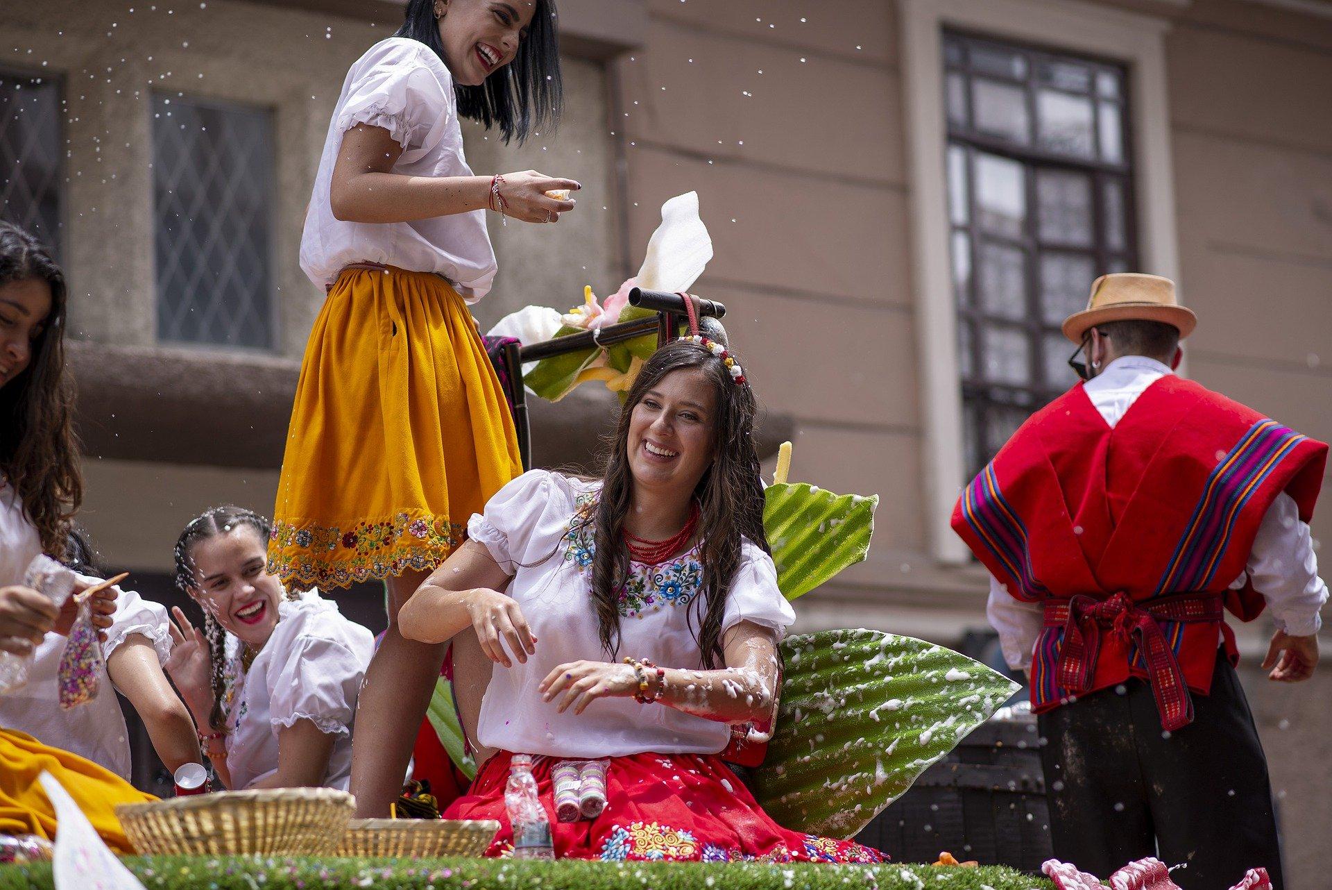 parade-4879243_1920