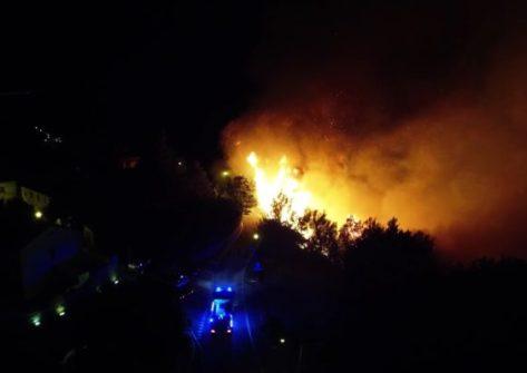 incendio parco san bartolo droni