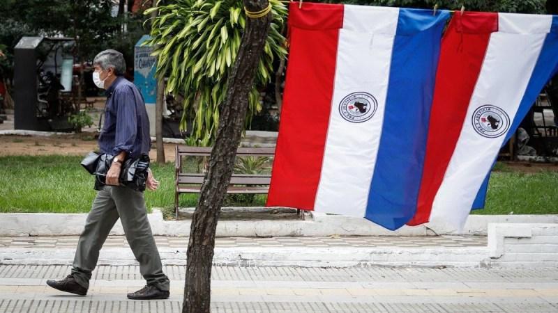 Paraguay vuelve a las clases virtuales por dos semanas y casi todo el gabinete está en cuarentena
