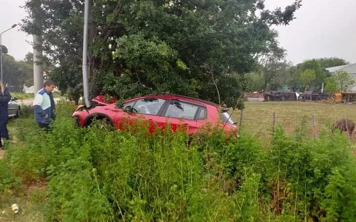 Accidente automovilístico en La Carlota