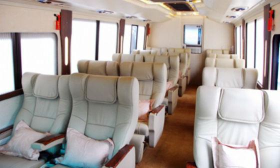 Sewa Bus Premium di Pondok Indah