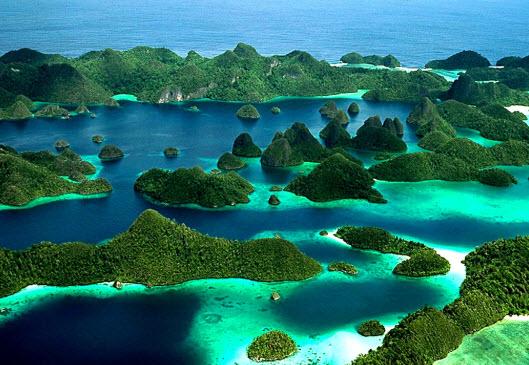 Wisata Raja Ampat Papua Indonesia