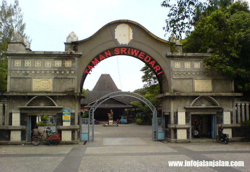 objek-wisata-solo-taman-sriwedari