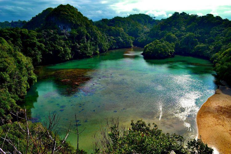 Wisata-alam-Pulau-Sempu-Malang