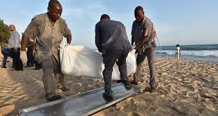 Authorities taking corps on the beach