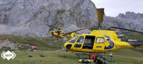 Un escalador fallecido al despeñarse 60 metros y dos compañeros rescatados en Camaleño