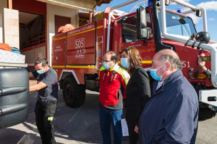 Fernández agradece el reconocimiento como 'Orujero de Honor' a los efectivos de emergencias de Cantabria