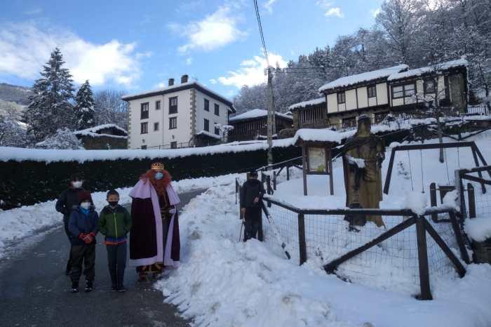 Fotogalería de la visita de los Reyes Magos a Potes, Camaleño, Pesaguero y  Peñarrubia
