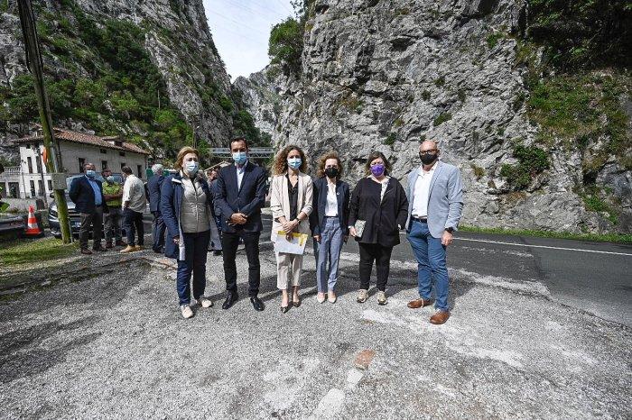El secretario general de Infraestructuras presenta las obras de mejora del desfiladero de la Hermida