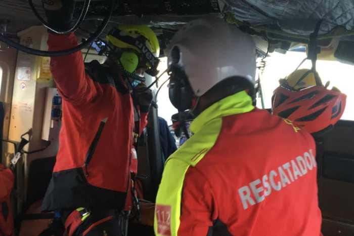 El helicóptero rescata a una mujer accidentada en Peñarrubia