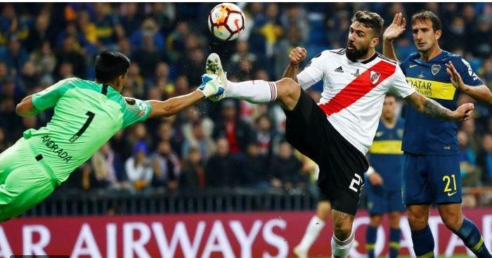El polémico arbitraje de Andrés Cunha en la Superfinal: no dio un penal y expulsó mal a Wilmar Barios