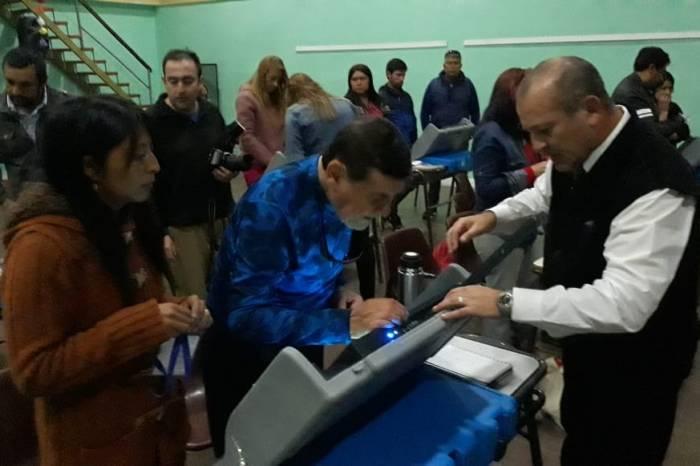 Autoridades de mesa se capacitaron sobre el voto electrónico, en Junín de los Andes