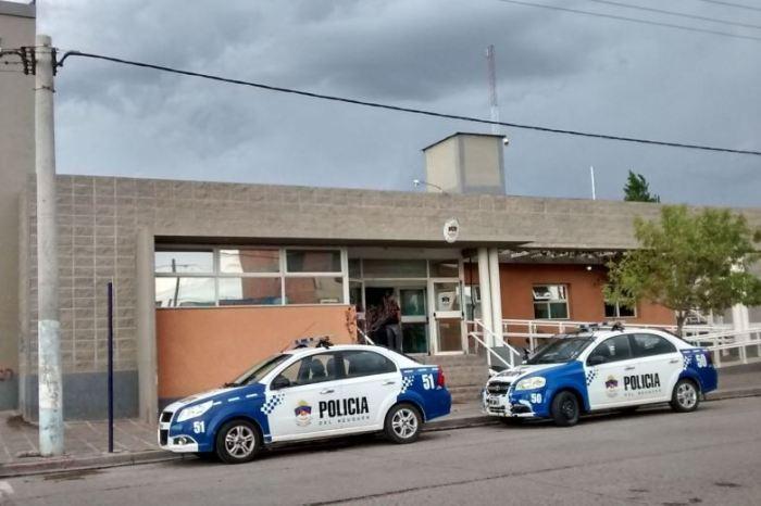 Intensa búsqueda de tres presos que se fugaron de una comisaría de Neuquén
