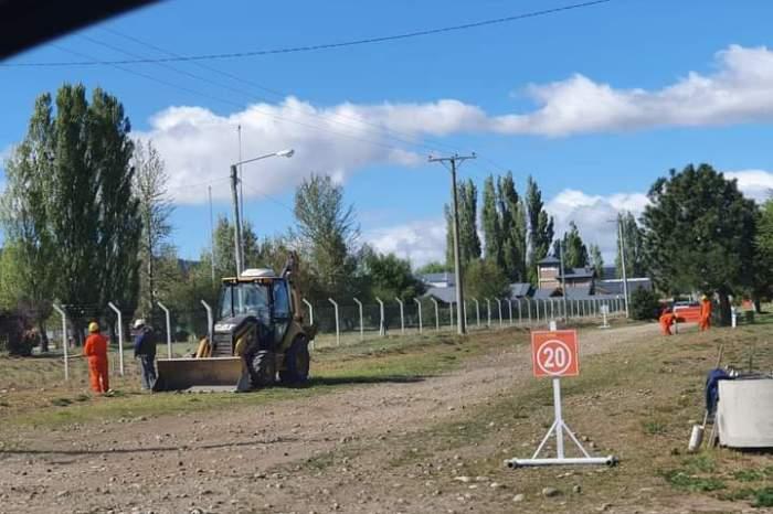 Junín de los Andes: Realizan obras de adoquinado y red de agua potable