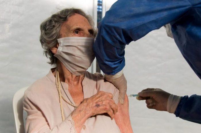 Vacunación COVID-19: hoy se vacunaron 985 personas en la provincia