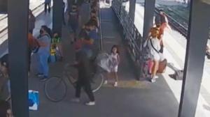 VIDEO: Vieron a Maia y al hombre bajar del tren y la búsqueda se centra entre Morón e Ituzaingó