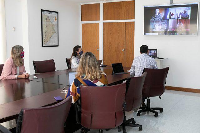 Convenio entre la Legislatura y la UCA para la formación de jóvenes líderes neuquinos