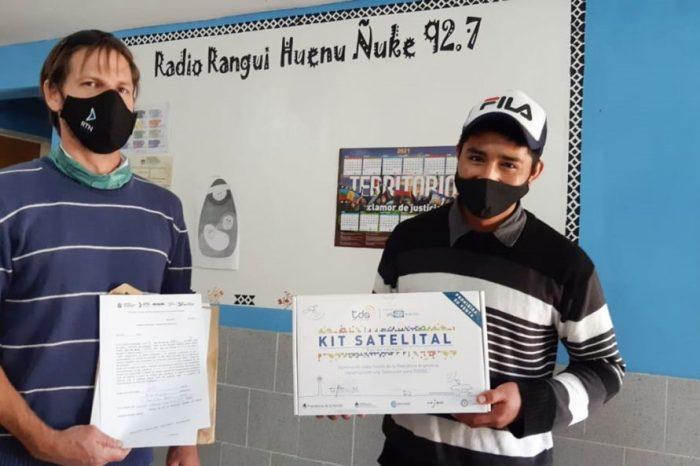 RTN continúa con la instalación de kits satelitales y sumó a Ruca Choroy a la red provincial de radios