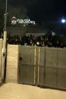 Personal Policial desarticuló una fiesta clandestina de unos  de 300 jóvenes