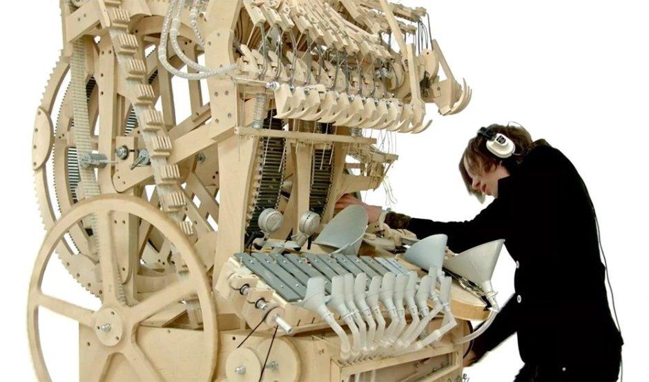 Martin_Molin_the_Wintergatan_Marble_Machine7
