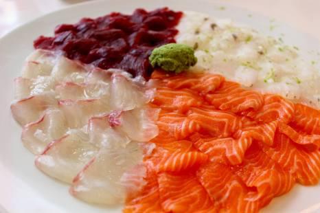 Sashimi de cuatro pescados