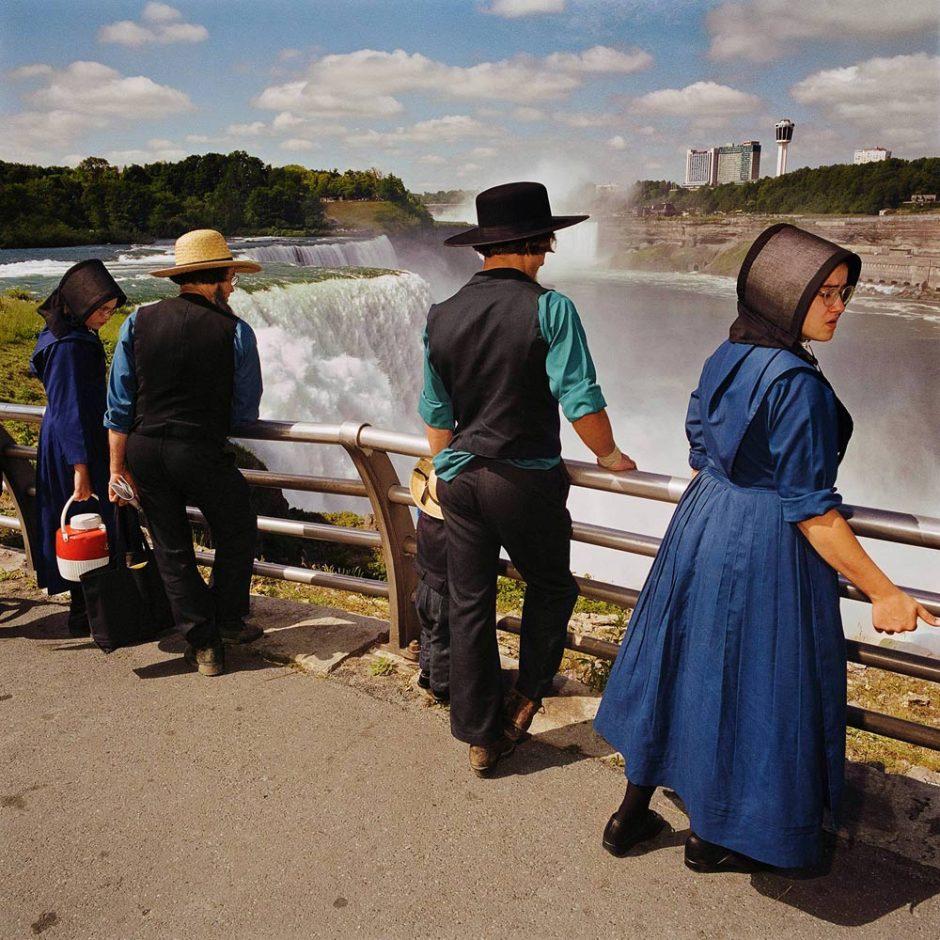 mennonites-at-overlook-niagra-falls-state-park-ny-19991