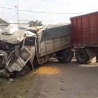 Fuerte choque entre camiones y calzada reducida en Ruta 11