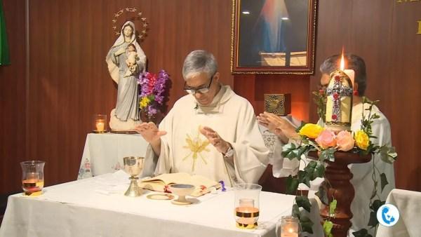 """Todos los días, Santa Misa """"en directo"""" – celebradas por el P. Francisco Verar y su hermano P. Marlo Verar"""