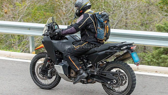 Husqvarna 901 Norden adventure bike