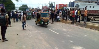 Commuters stranded as students of Abia Poly protest shutdown vehicular activities