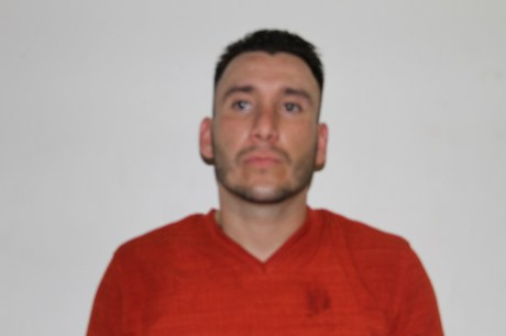 Luis David Flores Coughanour, detenido en Cajeme con armas de fuego y droga.