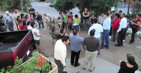Fueron decenas de familias las que se reunieron con el Diputado nogalense.