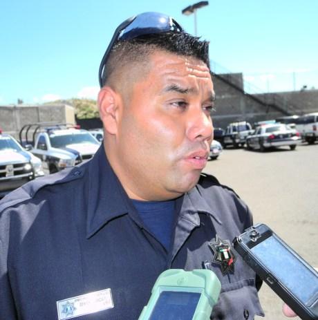 El oficial Benigno García, coordinador del Grupo D.A.R.E.