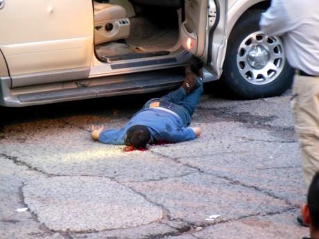 El cuerpo sin vida de Erick James Chávez.